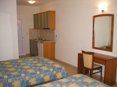 http://www.sarti.gr/site/images/uploads/asteras/asteras_hotel03.jpg